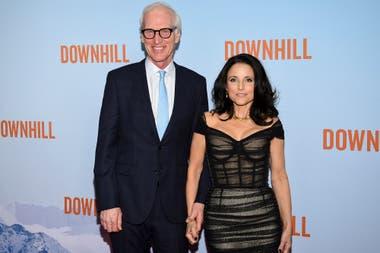 Julia Louis-Dreyfus y su marido Brad Hall en la premiere en Nueva York de Downhill, la remake de Force Majeure que protagoniza junto a Will Ferrell