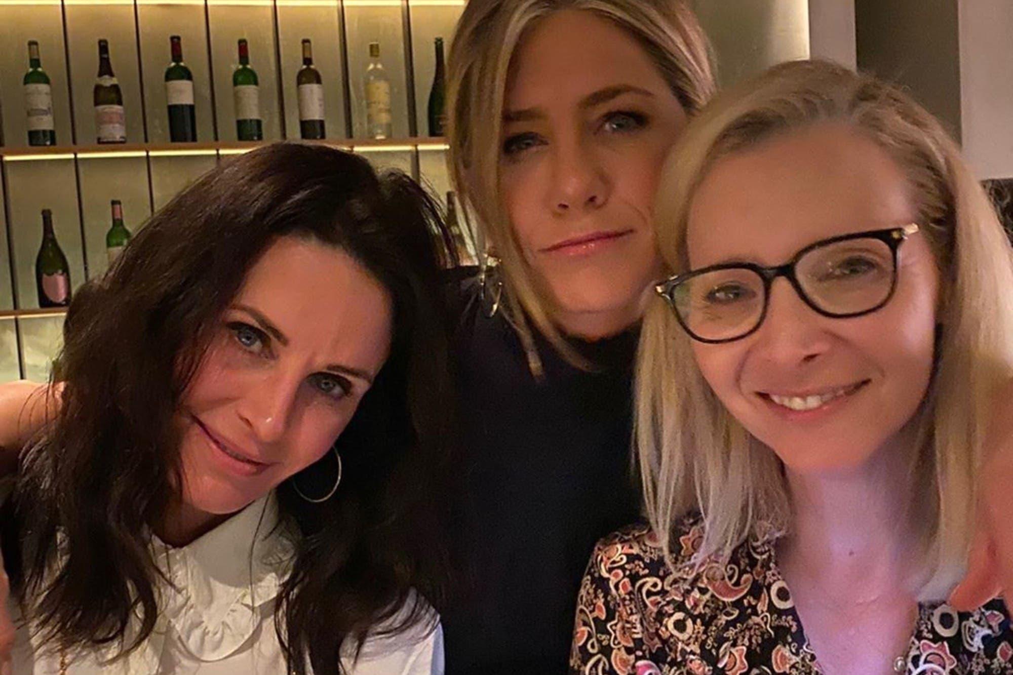 Jennifer Aniston, Courteney Cox y Lisa Kudrow hacen campaña para las elecciones de Estados Unidos