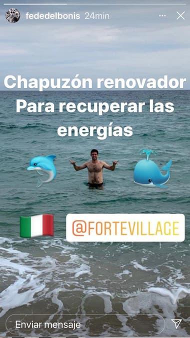 Delbonis compartió una imagen en el mar italiano tras alcanzar los cuartos de final en Cerdeña
