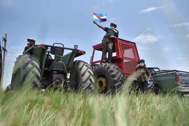 Productores en rechazo de la usurpación del campo de los Etchevehere