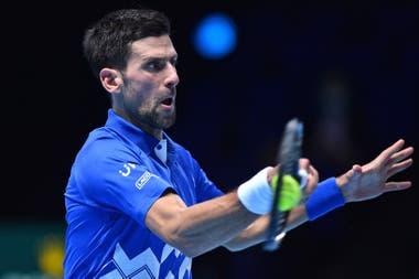 El serbio Novak Djokovic, cinco veces campeón del Masters de Londres, venció a Diego Schwartzman en el primer partido por el Grupo Tokio 1970.