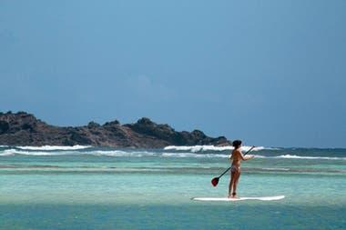 St. Barth es una isla ubicada en el caribe que pertenece a Francia y se caracteriza por sus playas de arena blanca y sus tiendas glamorosas