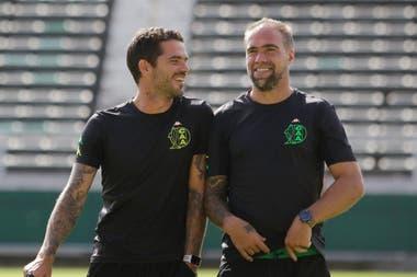 Fernando Gago y Federico Insúa debutaron con un triunfo en un amistoso