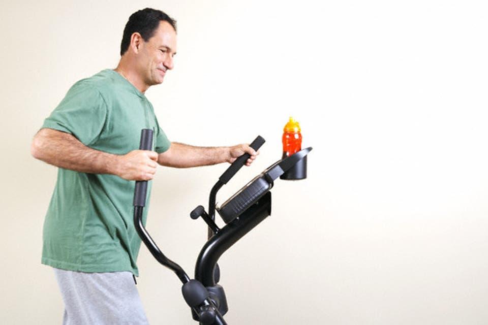 9e70ace573e Rendimiento o moda  Cómo elegir la mejor ropa para hacer ejercicio ...