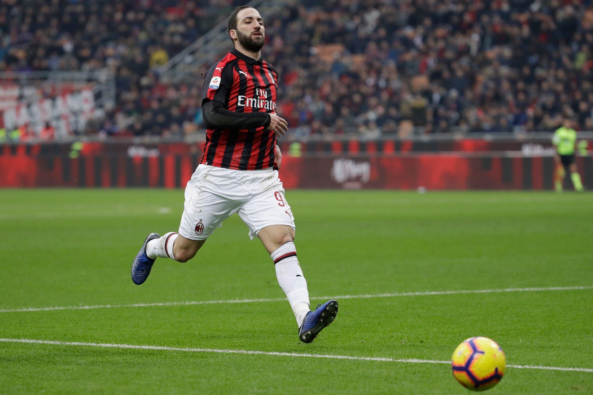 Los últimos días de Gonzalo Higuaín en Milan: su nuevo destino sería Chelsea
