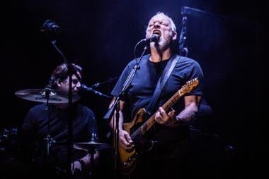 El líder de Pink Floyd remata su icónica Stratocaster negra y otros instrumentos famosos para una acción de beneficencia