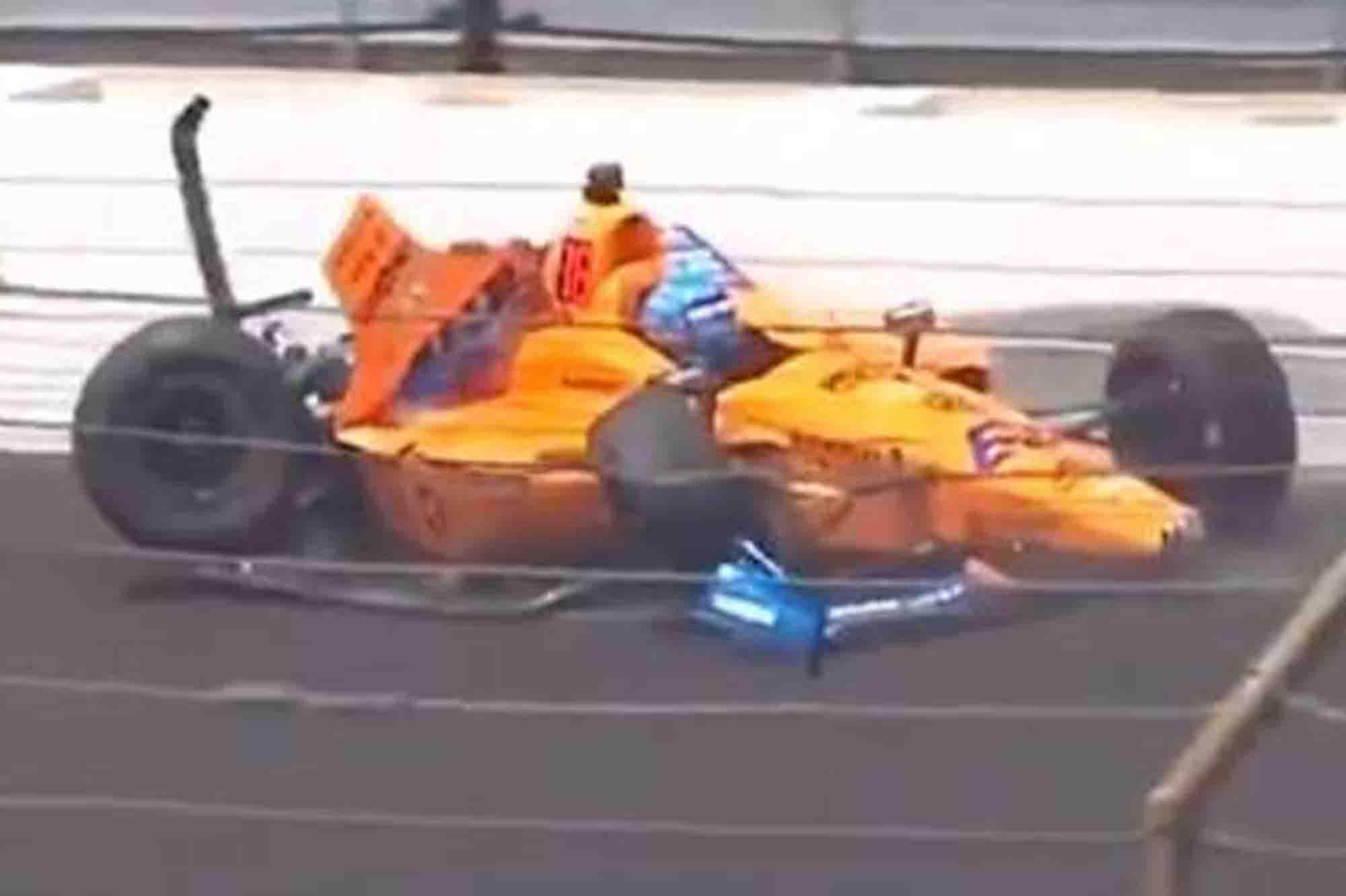 El accidente de Fernando Alonso en los entrenamientos libres para las 500 Millas de Indianápolis