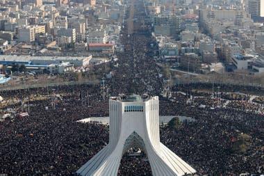 Irán: al menos 35 muertos en una estampida en el funeral del general Qassem Soleimani