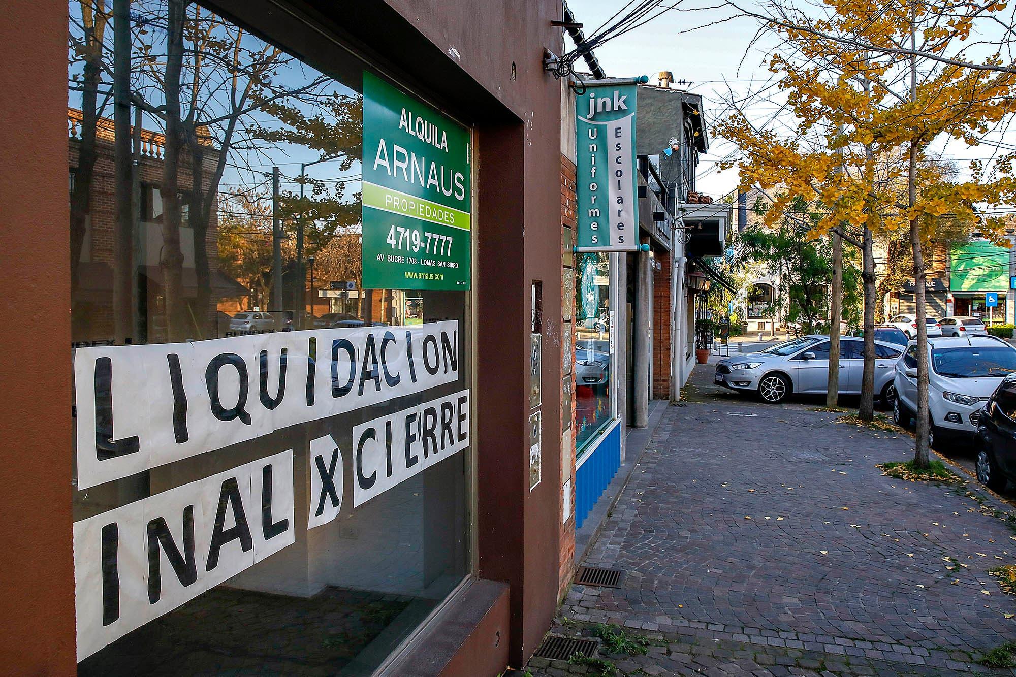 Crisis económica y encierro: los uruguayos que buscan salir de la Argentina