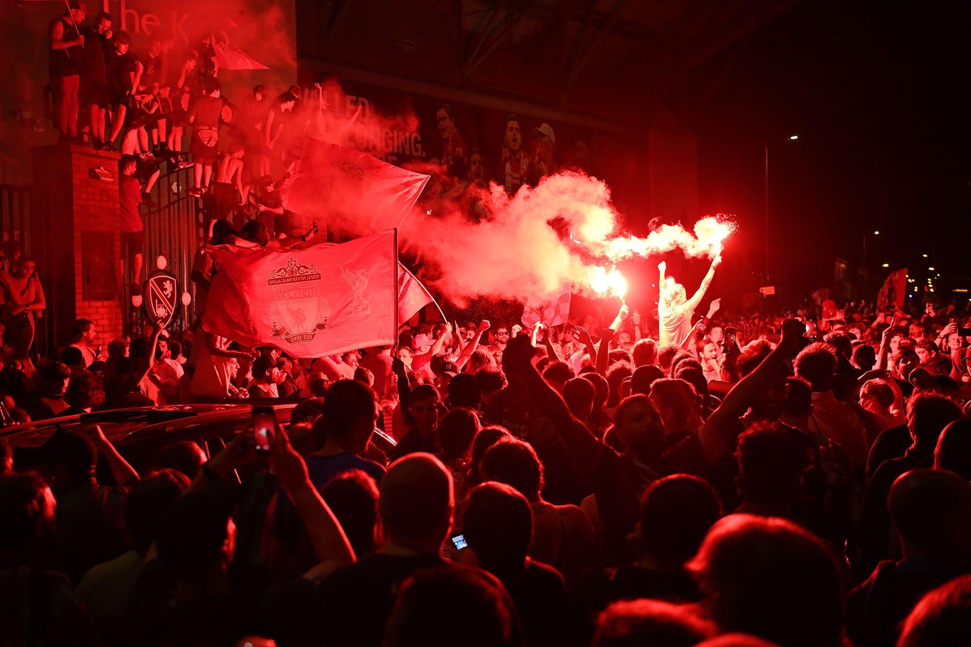 Liverpool: el emotivo video viral del campeón, el festejo de los jugadores y la fiesta en las calles