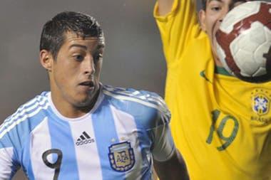 Con la selección jugó un Sudamericano Sub 20 y un amistoso contra Brasil, con Sabella como DT (2012)