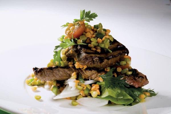 Receta de Bife angosto con ensalada de legumbres