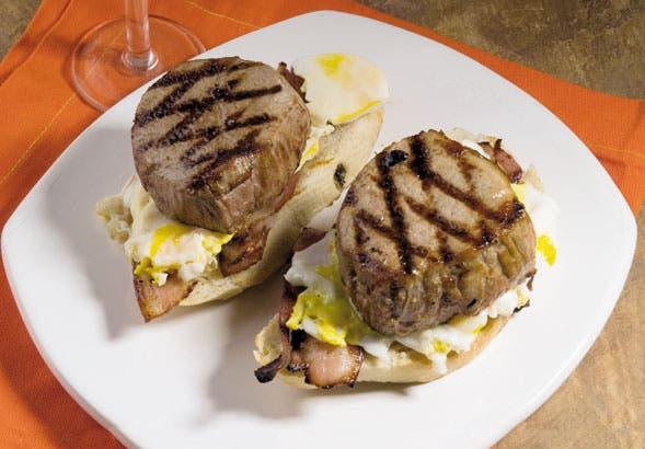 Receta de Sándwiches de peceto, panceta y mayonesa de papa