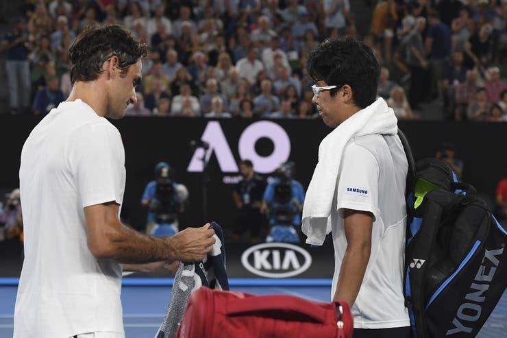 Federer se ganó un lugar en la definición del Abierto de Australia, el próximo domingo, frente al croata Marin Cilic, quien ayer derrotó al británico Kyle Edmund