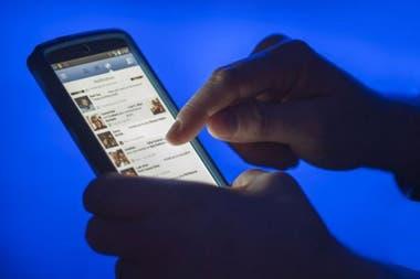 Hay científicos que vinculan el uso excesivo de Facebook y otras plataformas con ansiedad, depresión y pensamientos suicidas