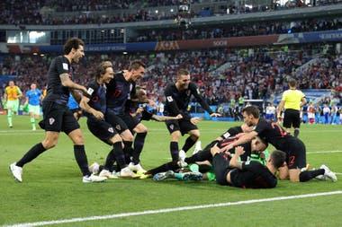 El festejo croata, tras la definición por penales frente a Rusia