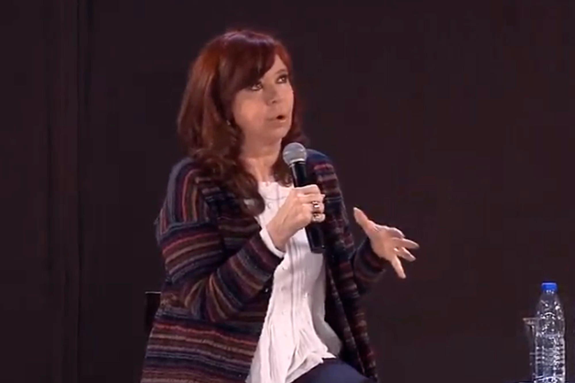 Duras críticas de venezolanos en la Argentina a la comparación de Cristina Kirchner