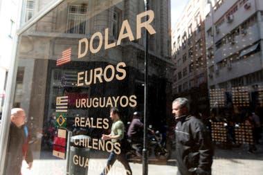 El dólar MEP cotiza hoy por encima del oficial
