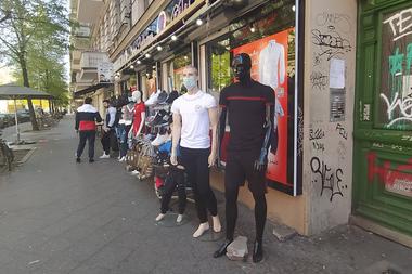 Las tiendas de menos de 800 metros cuadrados reabrieron en Berlín