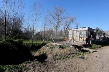 En el barrio El Rincn cercano al country Gran Bell la toma de tierras atraviesa altos niveles de violencia los vecinos temen salir de sus casas as como dejarlas vacas