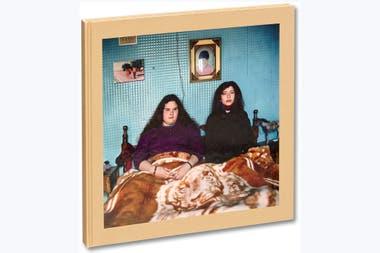 La tapa del segundo libro con los años de juventud Guille y Belinda, que el 16 de septiembre presenta a todo el mundo la editorial MACK de Londres