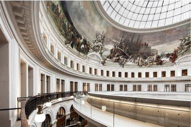 El edificio conserva los rastros de su historia a través de los siglos, primero como mercado de cereales y después como Bolsa de Comercio de la capital francesa hasta 2016