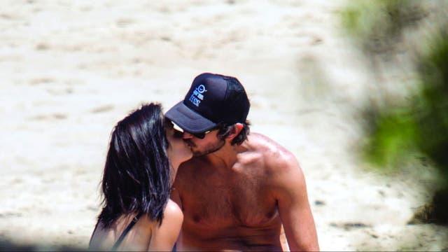 La pareja ya cumplió un año de amor y, a pesar de su bajo perfil, a veces se fotografían juntos y comparten el momento con los seguidores de Lali en las redes sociales.