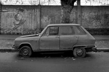 La Calle Cementerio De Autos Olvidados La Nacion