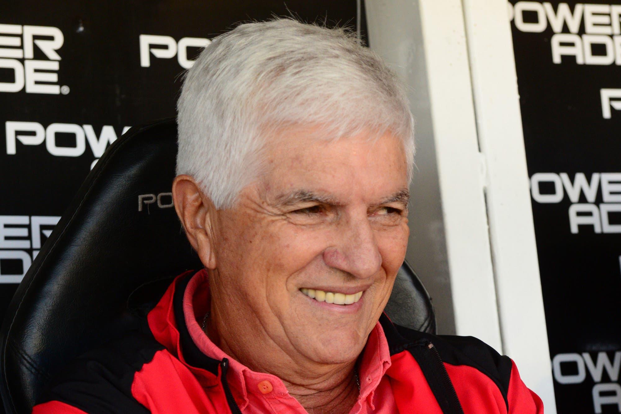 Julio Comesaña dejó Colón luego de sus polémicas declaraciones contra los jugadores