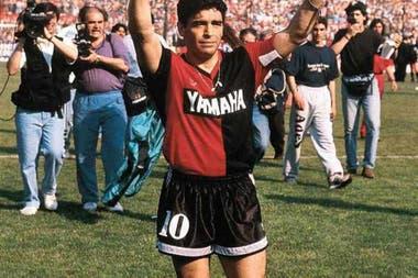Diego Maradona y el reconocimiento del público de Independiente: un jugador del paladar Rojo