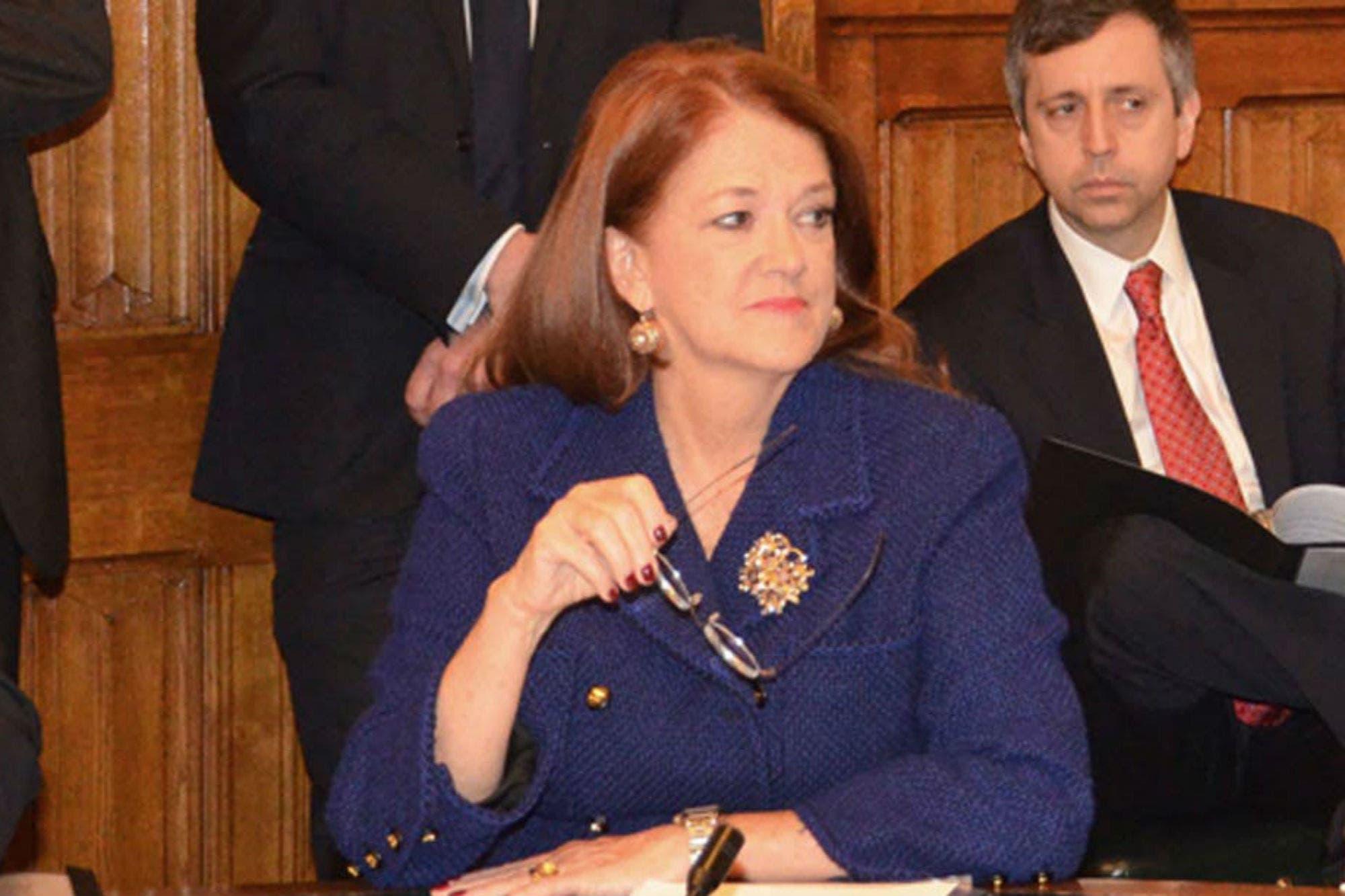 El Gobierno removió al embajador en el Reino Unido y postula a Alicia Castro para Rusia