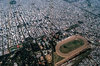 Ciudad de las diagonales y los tilos, La Plata tiene un trazado revolucionario y futurista