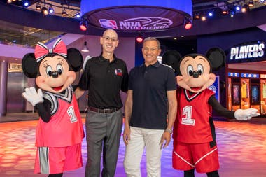Al anuncio del regreso de la NBA no faltaron figuras... de Disney