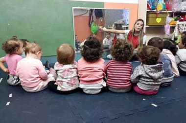 El programa de ayuda para los jardines de infantes, cuya economía se desmoronó por la pandemia del coronavirus, prevé que el monto del apoyo económico será de 20.000 pesos, o hasta la concurrencia del salario neto de cada trabajador
