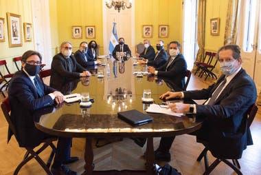Los funcionarios que integran el gabinete de comercio exterior se reunieron en la Casa Rosada