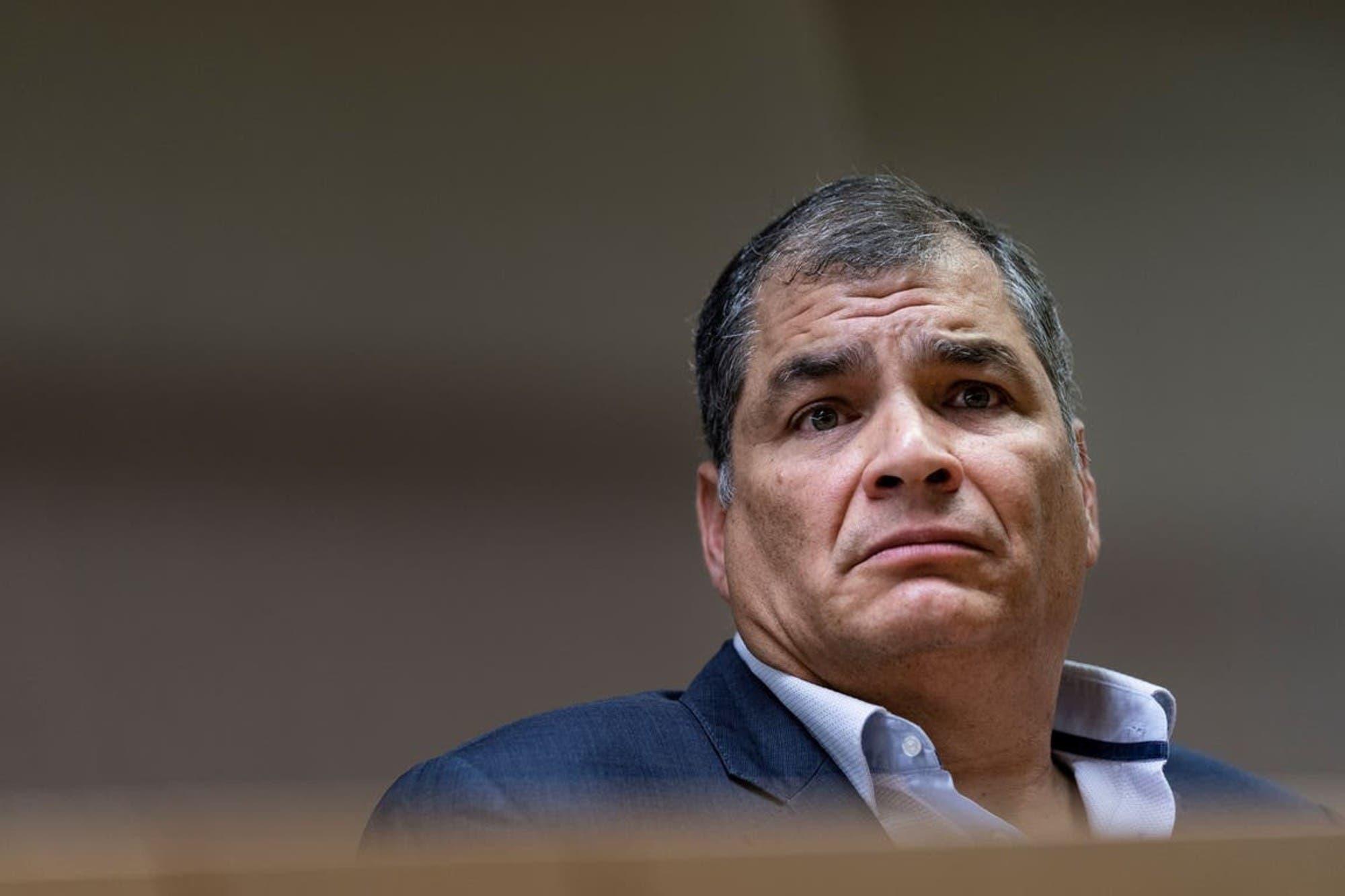 Ecuador cierra una campaña desconcertante y con un ojo puesto en la segunda vuelta