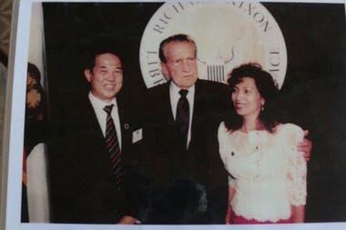 Ted, junto con su esposa, también conoció al expresidente Richard Nixon.