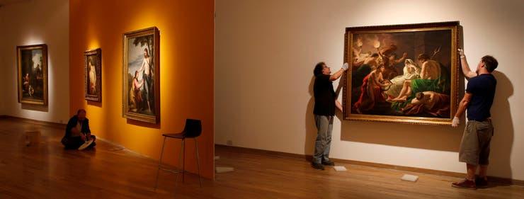 Últimos detalles del montaje en el Bellas Artes