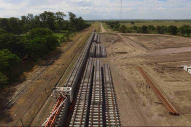 El Gobierno impulsa un millonario plan de obras para el ferrocarril de cargas.