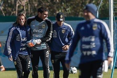Nahuel Guzmán se entrena con el seleccionado argentino.
