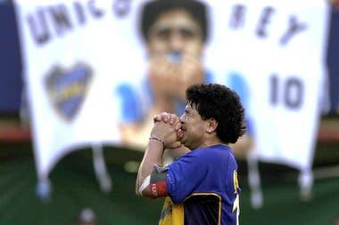El 10 de noviembre de 2001, Maradona se despidió en la Bombonera