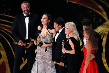 Elizabeth Chai Vasarhelyi, Jimmy Chin, Evan Hayes y Shannon Dill por mejor documental, Free Solo