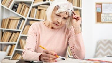 Entre los 65 y 75 años se alcanza el punto máximo de adquisición de vocabulario, según un estudio de la Universidad de Harvard y MIT.