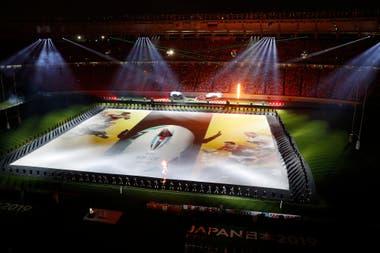 La fiesta inaugural, con un espectacular juego de luces y sonidos, a tono con la precisión japonesa