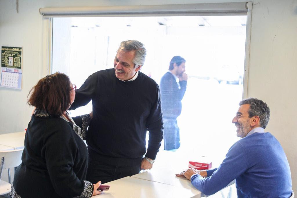 Alberto Fernández salió de recorrida de campaña con Randazzo