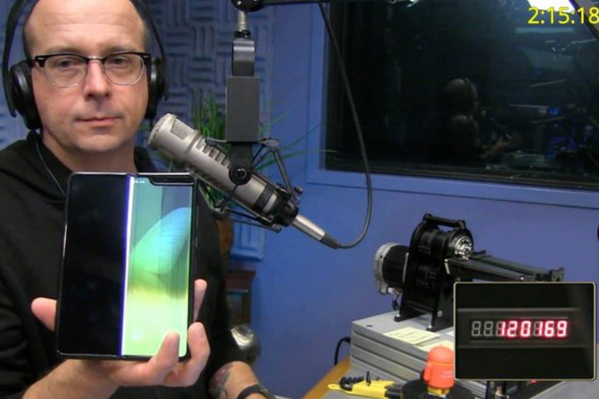Samsung Galaxy Fold: así fue el test que dobló más de 120 mil veces la pantalla plegable del celular