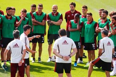 Habla Gallardo, escuchan los jugadores: River se prepara en Lima