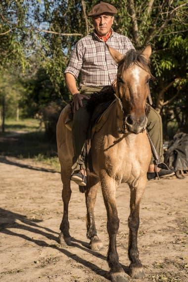 Bruno Leiva es uno de los ex cazadores que se convirtieron en guías de sitio.