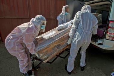 Sudáfrica anunció casi 2000 nuevos casos más en el último día