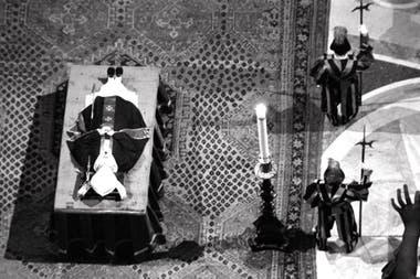 El funeral de Juan Pablo I, en la Basilica de San Pedro (septiembre de 1978)
